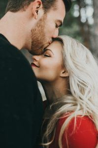 10 romantic phrases to start the day well