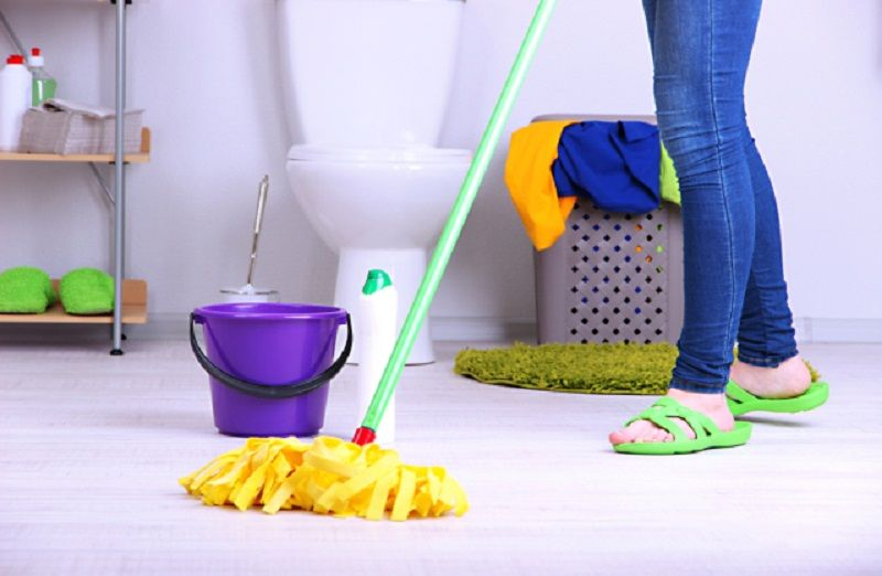 Clean the toilet floor