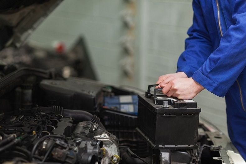 How to change a car battery without losing settings