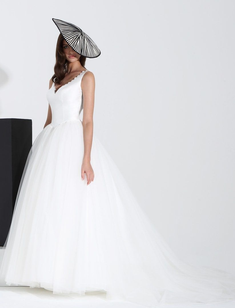Wedding hats accessories: 7 brides for 7 hats