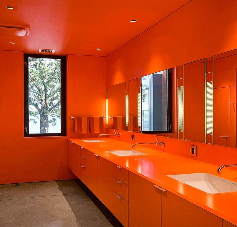 bathroom idea in bright colors: modern and daring proposals