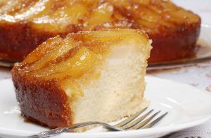 Pear and ricotta cake: the recipe to make it soft without wasting ripe pears