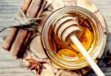 Get rid of pimples with 5 natural remedies