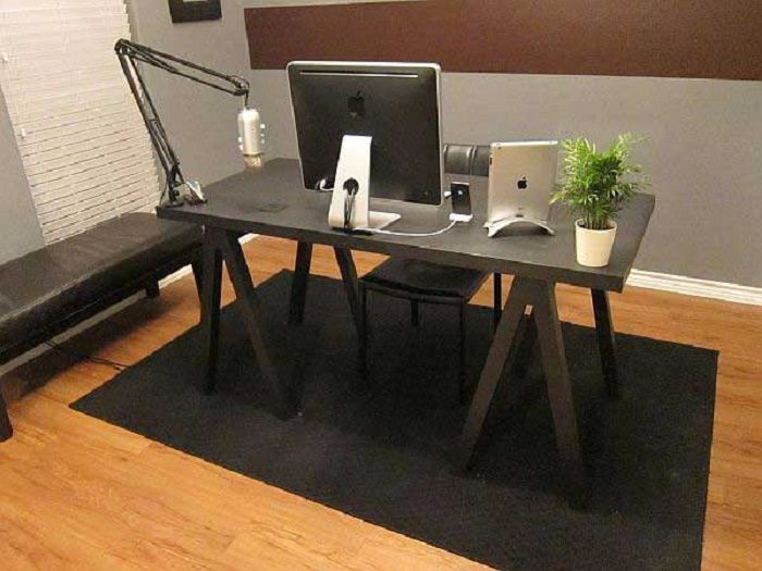 Desk made with a sewing machine feet